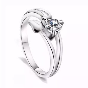 Jewelry - Beautiful Floral CZ Sterling Silver Ring
